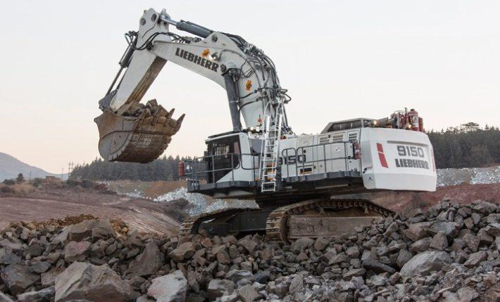 Liebherr mining excavator R 9150