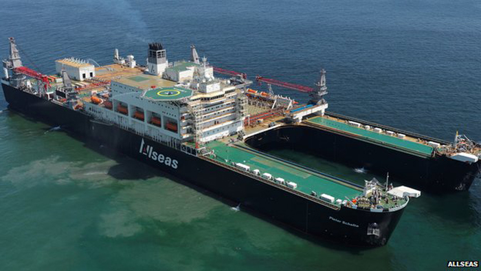 The world's largest ship, the Pieter Schelte can lift loads of 48,000 tonnes