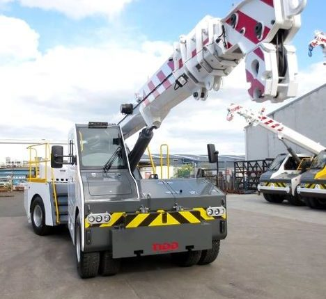 Tidd articulated pick & carry crane
