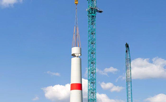 Liebherr 1000 EC-B 125 Litronic flat-top crane erecting an Enercon wind turbine with a hub height of 135 metres